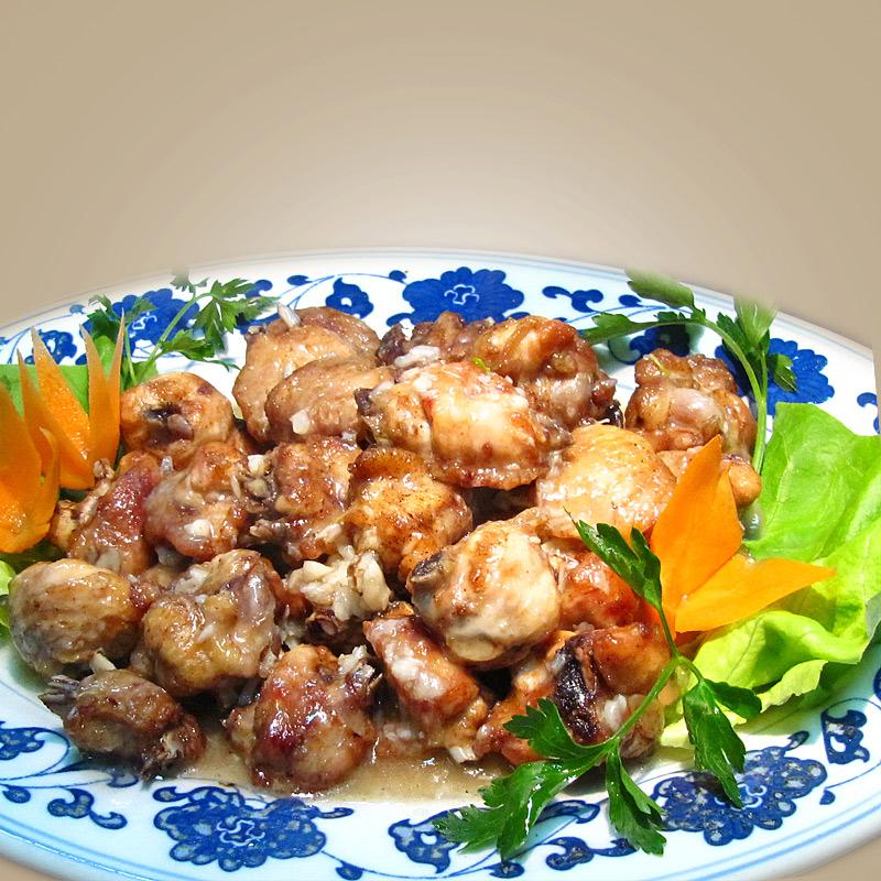 Mancare chinezeasca Aripi de pui cu usturoi