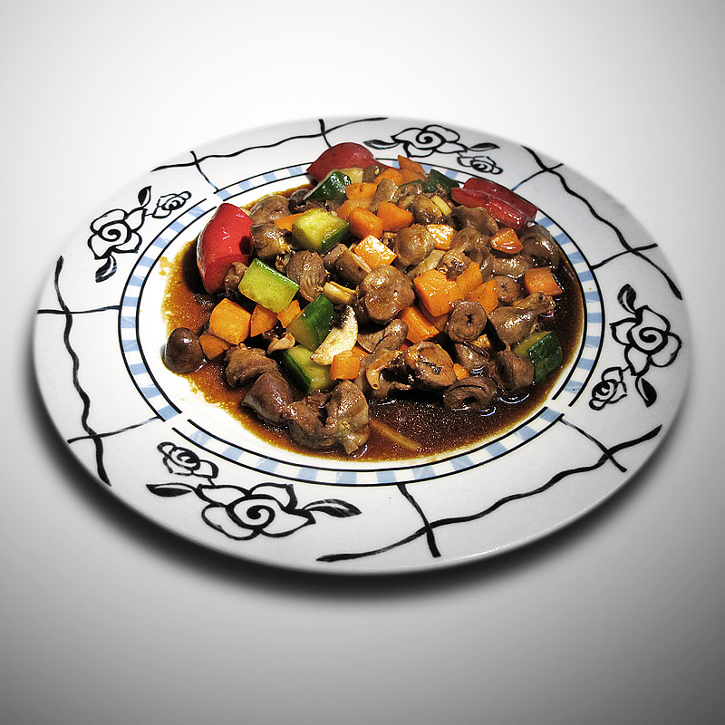 Mancare chinezeasca Pipote de pui cu legume