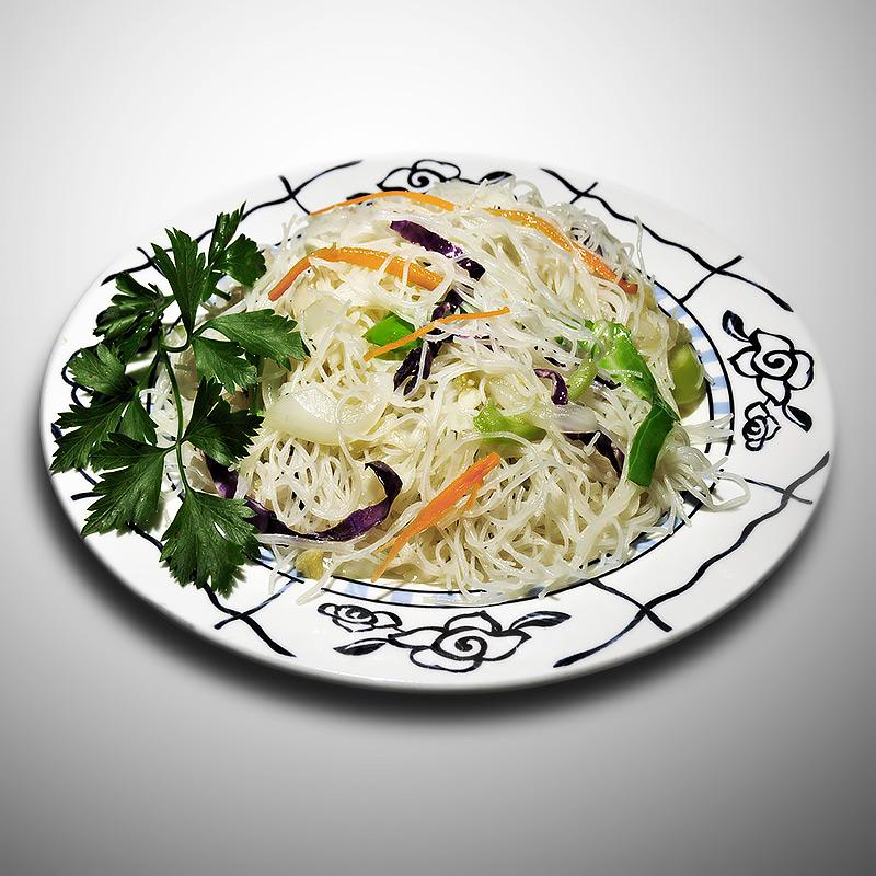 Mancare chinezeasca Spaghete de orez cu legume